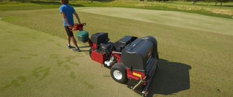 Aeration of greens
