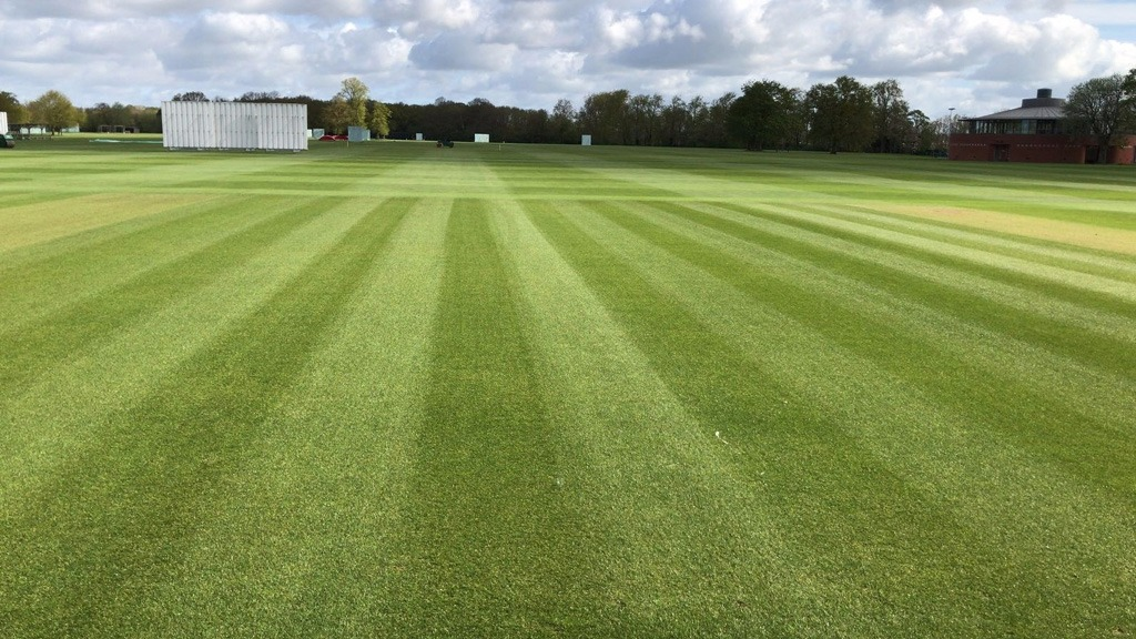 Ryder will produce a superb attractive green colour to all sports turf, whilst protecting plants from harmful UV rays. The long lasting colour intensity can be tailored by application rate and frequency.